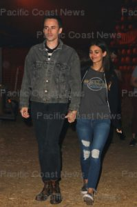 158559, Rocky Horror Picture Show star Victoria Justice holds hands with a mystery man as she enjoys a night out at the Los Angeles Halloween Haunted Hayride at Griffith Park. Photograph: © MHD, PacificCoastNews. Los Angeles Office (PCN): +1 310.822.0419 UK Office (Photoshot): +44 (0) 20 7421 6000 sales@pacificcoastnews.com FEE MUST BE AGREED PRIOR TO USAGE